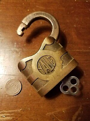 Antique The Yale & Towne Brass Lock With working Key nice vintage lock
