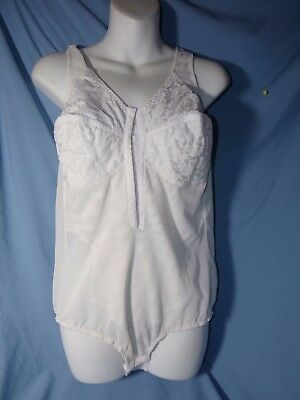 Vintage All in One Girdle & Bra size 40-C  white
