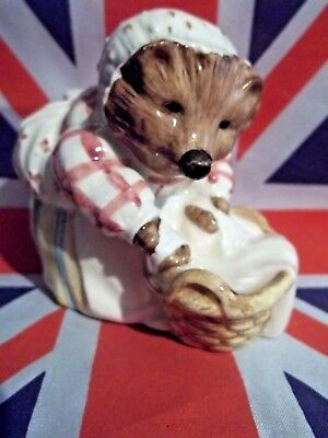 Bp-10A Beatrix Potter Royal Doulton Figurine Mrs Tiggywinkle Washing Mint In Box
