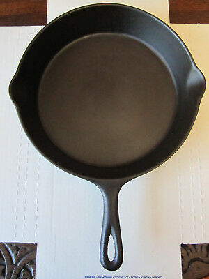Vintage Mid-Century Lodge No. 8 Cast Iron Skillet 3 Notch Cleaned And Seasoned!