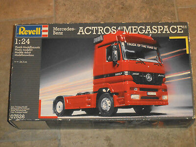 Revell 07526 Mercedes Benz Actros Megaspace in 1:24  von 1998 in 1/24th scale !