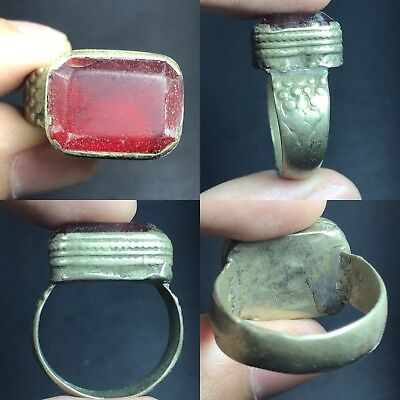 Lovely big Red Roman Glass Ancient Bronze Ring