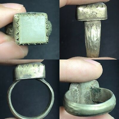 Lovely White Roman Glass Bronze Ring