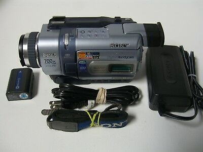 SONY DCR-TRV340 Digital8 Camcorder. Plays Hi8 and Video8 Tapes, 60 DAY WARRANTY!