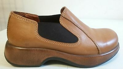 Dansko Women's Honey Colored Two Toned Leather Clogs. 8M Us 38 Eu Great! Cond.