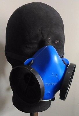 Pro-Tech B242 Half-Face Mask / Respirator, Size MEDIUM - B-202 / B-205