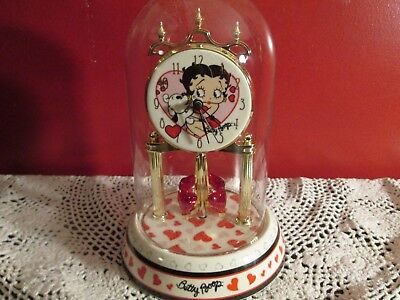 Betty Boop Collectible ~ Anniversary Clock ~ 2007 ~ Heart Design w/ Glass Dome ~