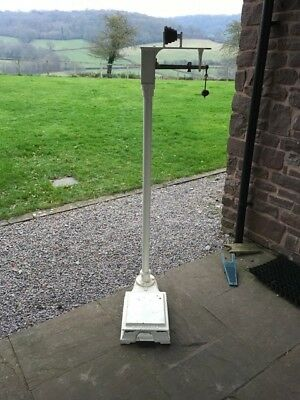 Vintage Antique platform weighing scales - WT Avery Ltd - great condition