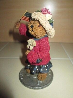 Boyds Bears God Bless America USA Flag 227789 Elanore Bearsevelt 2001 Fig Coin