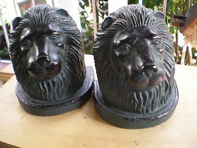 LION HEAD PAIR OF DECORATIVE BOOKENDS ( Black cast resin  )