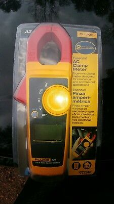 Fluke 323 True RMS Clamp On Electricians Test Voltage OHM Meter 400AMP