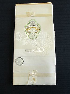 Warranted Damask Chrysanthemum Tablecloth and 4 Napkins NEW VINTAGE 52 X 52