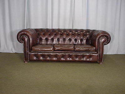Canape Chesterfield Marron  3 Places