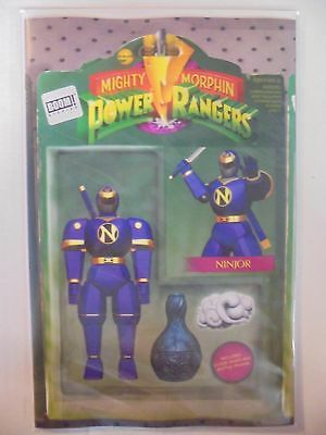 Mighty Morphin Power Rangers #23 Action Figure Variant BOOM! NM Comics Book