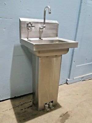 """ADVANCE"" COMM (NSF) 100% S.S. HAND FREE STANDING HAND WASH SINK w/FOOT CONTROL"