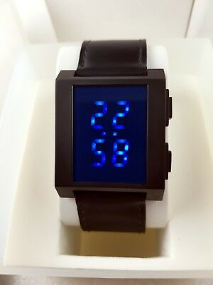 Flash 1970's Pulsar Tokyo Style Blue LED/LCD Rare Old Vintage Digital Watch NOS