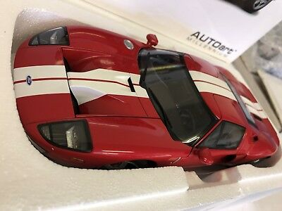 1:18 Ford GT 2004 - Red