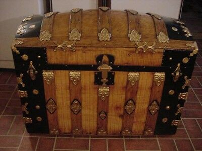 Ladycomet Refinished Gorgeous Dome Top Steamer Trunk Antique Chest w/Key & Tray