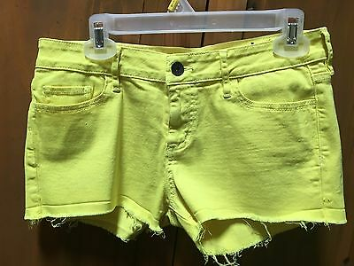 Bullhead black yellow denim shorts size 9
