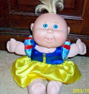 """Vintage Nice Small (10"""") Girl Cabbage Patch Doll  1978"""