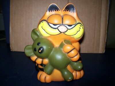 Garfield The Cat And Pookie Bear Plastic Piggy Bank 1981 Good Condition