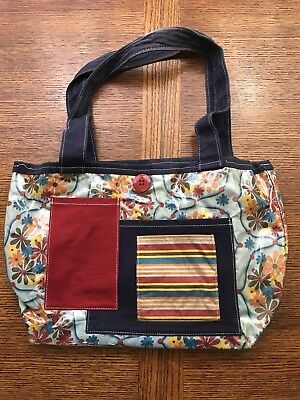2 Red Hens Fresh Cut Flowers Cancer Prevention Diaper Bag