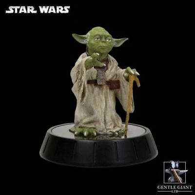 Gentle Giant full size Yoda statue Empire Strikes Back 1/6th scale