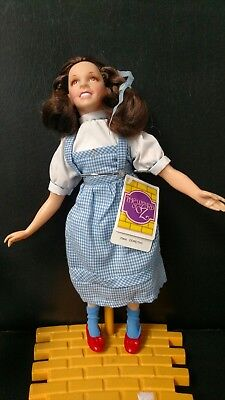 """Wizard Of Oz Hamilton Gifts #p3800 1987 """"dorothy"""" & Toto Vinyl Doll/stand/tag"""