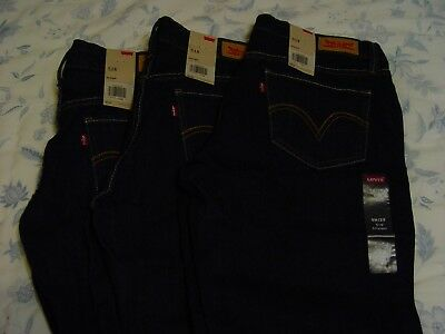 NWT Women's Levi's Jeans 518 9M/29 Straight - Low Rise - Relaxed Fit - Levis