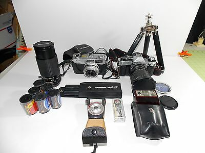Lot of 2 cameras Canon AE-1 program And Canonet with lenses