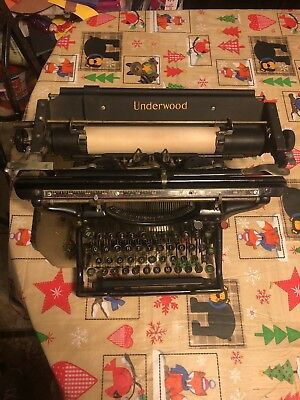 Vintage 1913 Underwood Typewriter