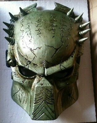 Predator Mask - MASK OR Wall HANGING - NEW IN BOX