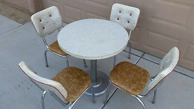 VINTAGE 1950s AUTHENTIC 5 PIECE SODA FOUNTAIN OR DINER TABLE AND CHAIR SET