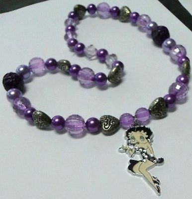FAKE FALSO - BETTY BOOP - COLLANA ELASTICA PERLE VIOLA, CUORI -cm. 52
