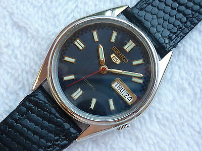 SEIKO AUTOMATIC Navy blue double date 21 Jewels Steel fully serviced watch