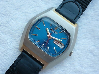 VINTAGE SEIKO 38.5MM AUTOMATIC double date 17 Jewels Steel Serviced watch