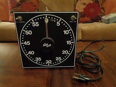 Dimco-Gray Co. Gra Lab Darkroom Timer Model 300 w/ 2 Outlets Glow in Dark Face