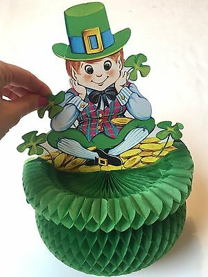 Beistle Co Vintage St Patrick's Day Leprechaun pot of gold crepe paper decor