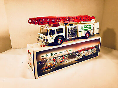 1989 Hess Toy Fire Truck Bank White and Green