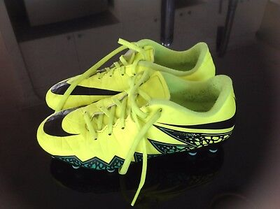 Nike Size 4 Footy Boots