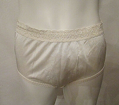 Vintage Fruit of the Loom Briefs Panties Panty Ivory sz 6 M 100% Nylon Classic