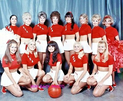 Psa Airlines Stewardess Basketball Team - Reprint Photo