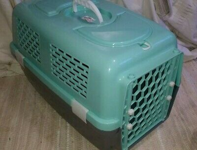 Pet Carrier 52cm long  Dog CAT BIRD RABBIT ridgid CRATE GREEN CREAM INPECT HATCH