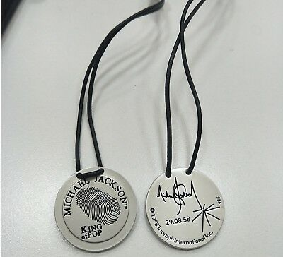 "Pendentif Michael Jackson medal fingerprint  ""version laiton"""