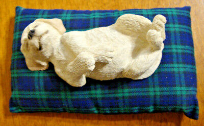 Vintage Sandicast Yellow Labrador retriever ceramic statue collectable with bed