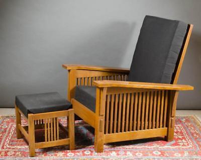 STICKLEY OAK 'MORRIS' ARMCHAIR AND MATCHING FOOTST Lot 41