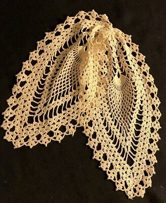 Old Vintage  Adorable Off-white Crochet Jabot Pineapple Pattern