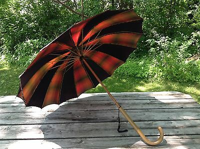 Beautiful Vintage Check Plaid Umbrella with Wood Hand