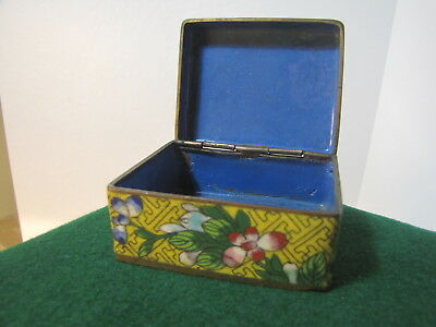 Vintage CLOISONNE BOX Floral decorated with hinged lid - Estate Find