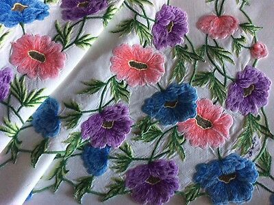 Exquisite Vintage Linen Embroidered Tablecloth & Napkins ~ Beautiful Anemones